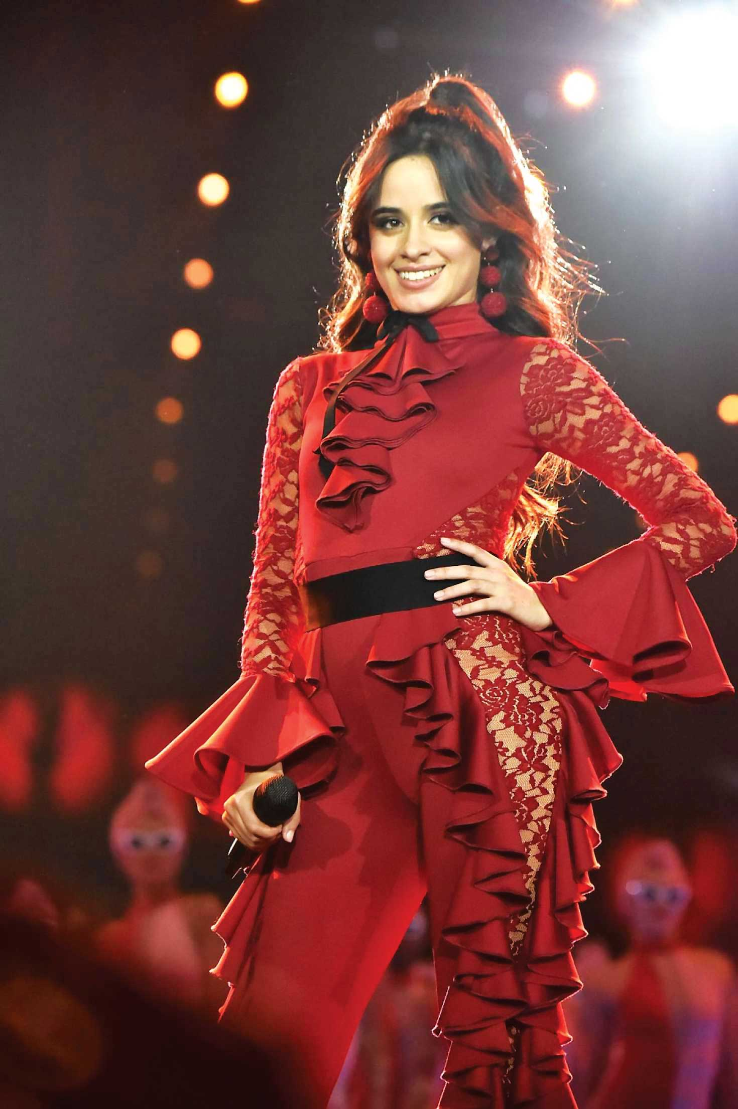 Camila-Cabello-Performs-at-2017-MTV-Europe-Music-Awards--07